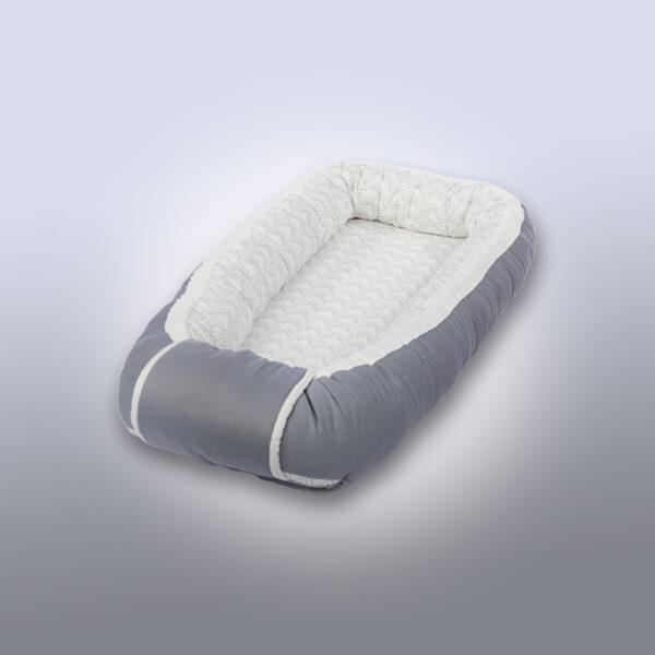 grå babynest fra emmibaby