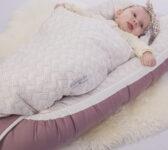 rød babynest + sengetøj 2